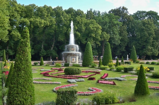 Peterhof_roman fountain