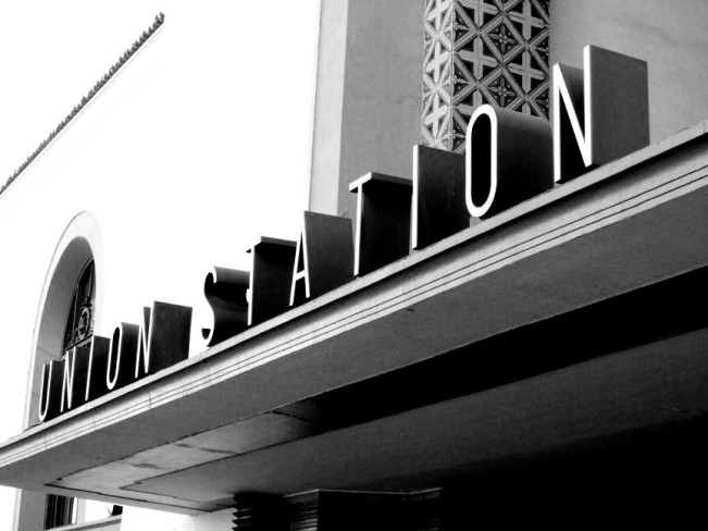 Union-Station-Sign-Black-and-White