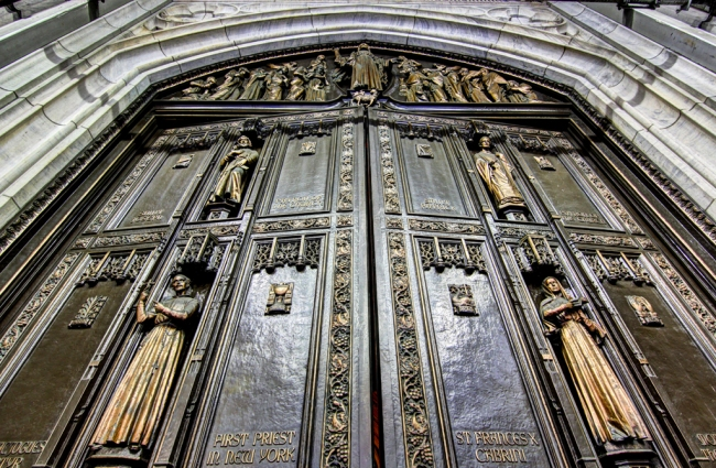 Image 9_the restored bronze doors