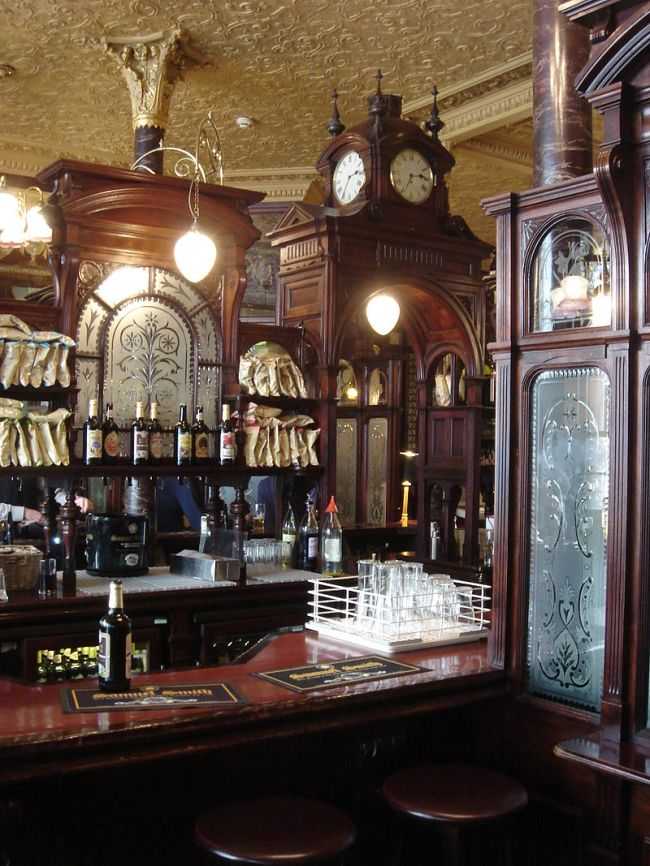 800px-Princess_Louise_public_house,_High_Holborn,_London_03