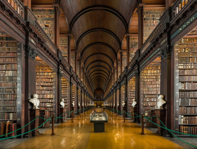 Image 14_ Long_Room_Interior,_Trinity_College_Dublin,_Ireland_-_Diliff