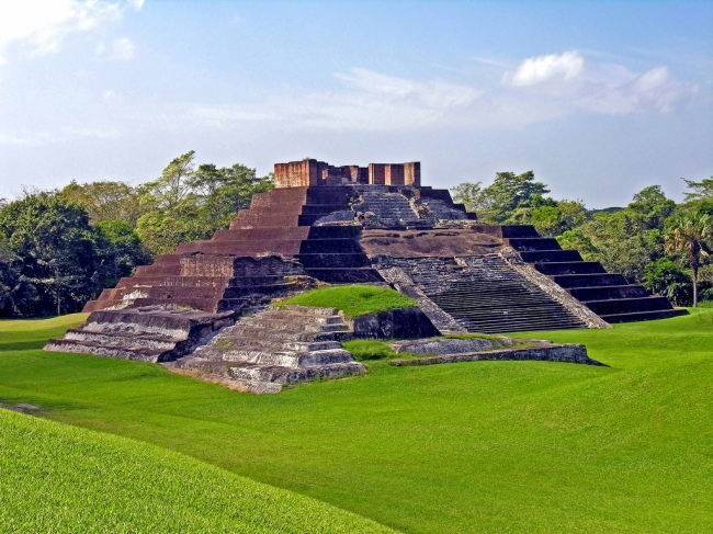 image-9_comalcalco-the-only-mayan-brick-pyramid