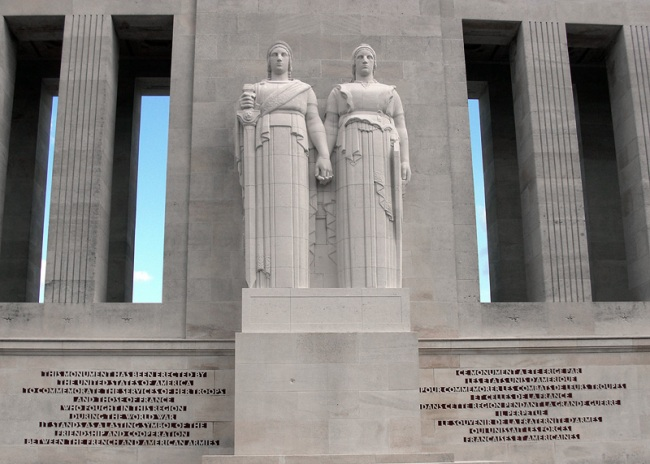 Monument_Americain_Front